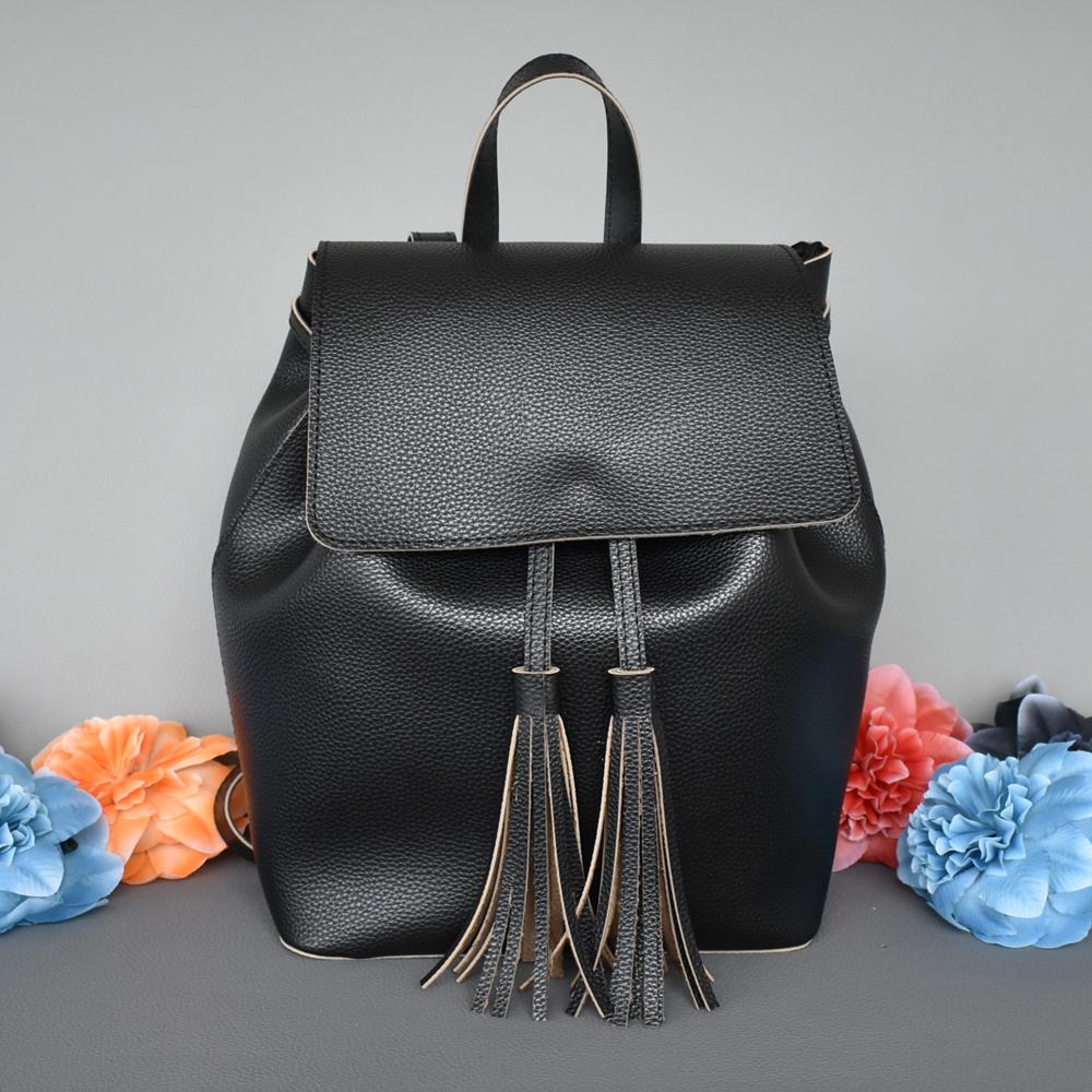 261c784e0f4 Българска дамска кожена раница с пискюли - Онлайн магазин за чанти  LuxZona.eu