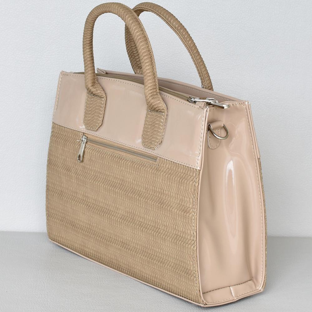 4354944aec3 Българска тъмно бежова дамска чанта от еко кожа комбинация от лак и релефен  ефект Код D26-004